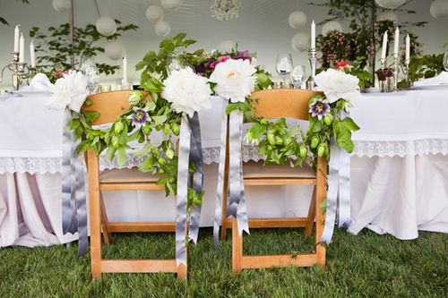8-garlands-for-the-bride-and-grooms